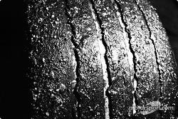 Un neumático desgastado de Michelin