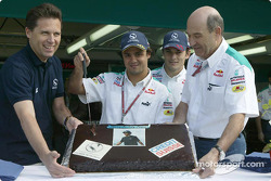 Felipe Massa celebrates birthday with Giancarlo Fisichella and Peter Sauber