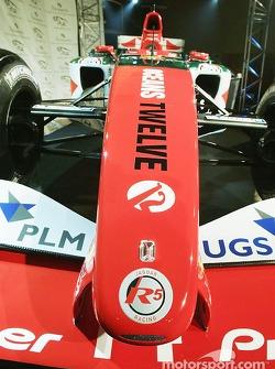 Jaguar Racing und Steinmetz präsentieren den Diamond Jaguar R5 bei der PR-Aktion für den Film Oceans 12.