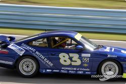 La Porsche 996 n°83 de Robert Finlay et Michael McDowell