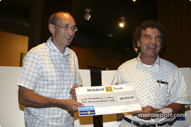 Renault F1 photographic competition award