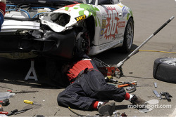 Repairs to the #36 of Randy Pobst and Michael Levitas - Porsche