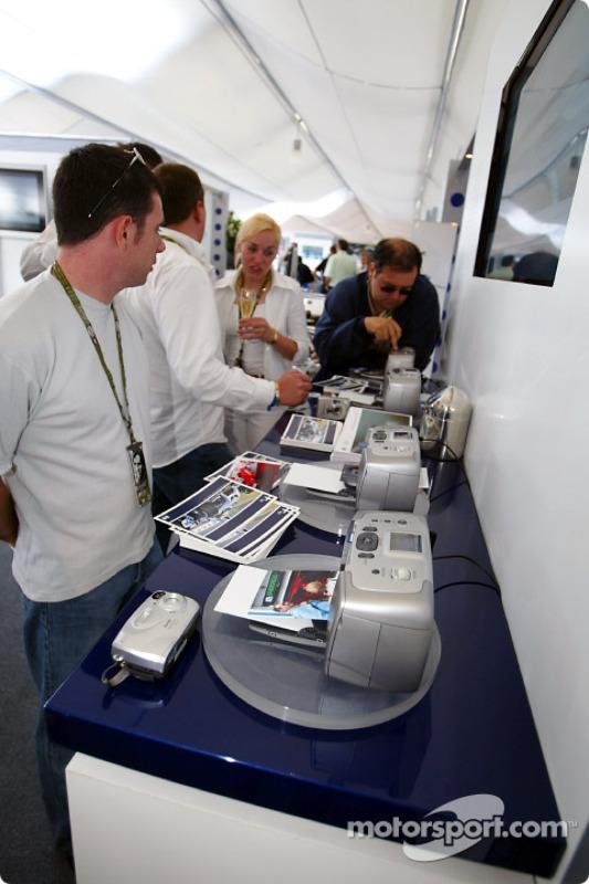 Présentation de produits HP dans l'hospitalité Williams-BMW