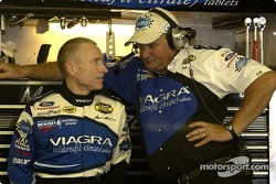 Mark Martin chats with crew chief Pat Tryson