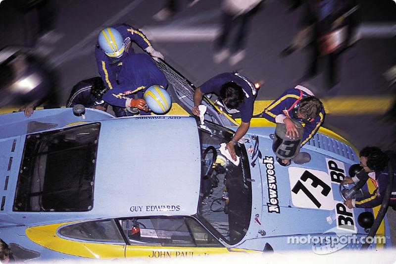 Pitstop for #73 JLP Racing Porsche 935 K3: John Paul, Guy Edwards, John Paul Jr.
