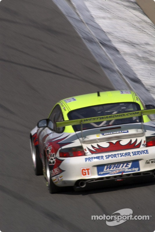 La Porsche 911 GT3 n°31 Petersen Motorsports / White Lightning Racing