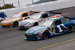 Jamie McMurray, Earnhardt Ganassi Racing Chevrolet, Dale Earnhardt Jr., Hendrick Motorsports Chevrolet, A.J. Allmendinger, Richard Petty Motorsports Ford