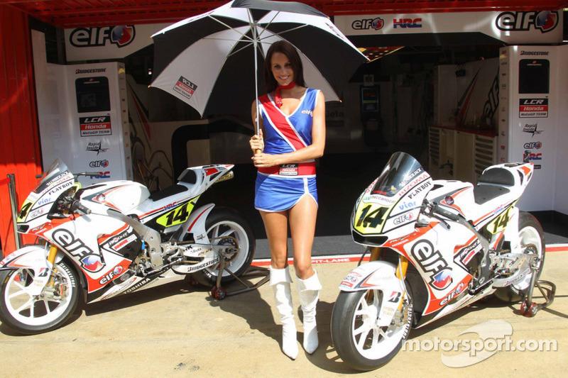 Une charmante jeune femme LCR Honda MotoGP