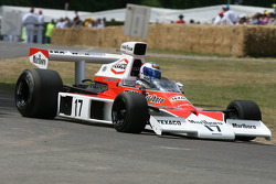 1973 McLaren Cosworth M23 (Emerson Fittipaldi): Sam Bird
