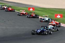Lucas Foresti leads Pablo Sanchez Lopez