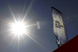 The sun shines on Algarve Motor Park