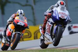 Jorge Lorenzo, Fiat Yamaha Team, leidt voor Dani Pedrosa, Repsol Honda Team