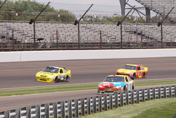 Jacques Villeneuve, Braun Racing Toyota, Kyle Busch, Joe Gibbs Racing Toyota, Kevin Harvick, Richard Childress Racing Chevrolet