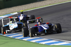 Josef Newgarden leads Felipe Guimaraes