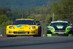 #4 Corvette Racing Chevrolet Corvette ZR1: Olivier Beretta, Oliver Gavin, #75 Jaguar RSR Jaguar XKRS: Paul Gentilozzi, Marc Goossens