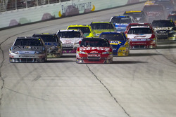 Restart: Carl Edwards, Roush Fenway Racing Ford and Tony Stewart, Stewart-Haas Racing Chevrolet lead the field