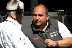 Geoff Willis, Red Bull Racing, Technical Director and Colin Kolles, Hispania Racing Team, Team Principal