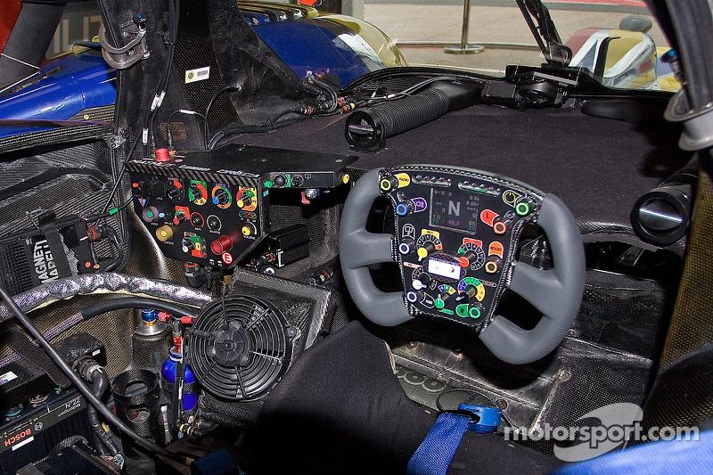 4 team oreca matmut peugeot 908 hdi fap nicolas lapierre for Peugeot 908 interieur