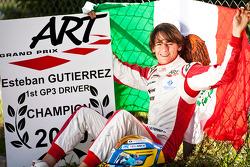 Esteban Gutiérrez célèbre sa victoire au championnat