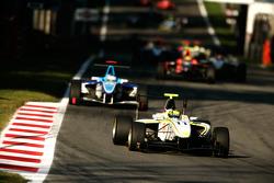 Renger Van Der Zande leads Roberto Merhi