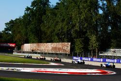 Robert Wickens leads Esteban Gutierrez Rio Haryanto, Nico Muller and Roberto Merhi