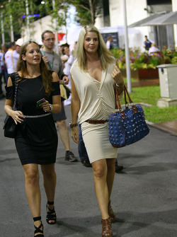 Catherine Hyde girlfriend of Heikki Kovalainen with Isabell Reis girlfriend of Timo Glock