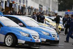 Alain Menu, Chevrolet, Chevrolet Cruze LT en Robert Huff, Chevrolet, Chevrolet Cruze LT