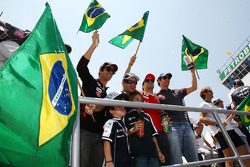 Lucas di Grassi, Virgin Racing, Rubens Barrichello, Williams F1 Team, Felipe Massa, Scuderia Ferrari, Bruno Senna, Hispania Racing F1 Team