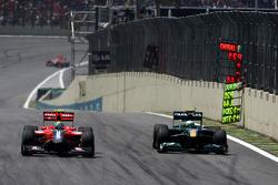 Lucas di Grassi, Virgin Racing and Heikki Kovalainen, Lotus F1 Team