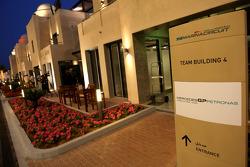 Yas Marina, sfeerbeeld Yas hotel