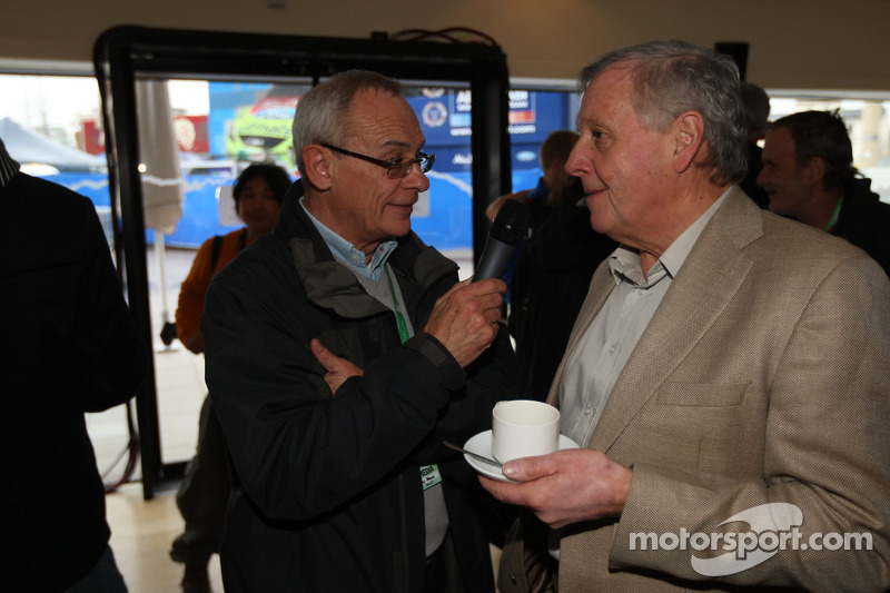 Rally legende Jimmy McRae interview met Mike Broad, Ford Focus RS WRC Party in Cardiff's Millennium Centre