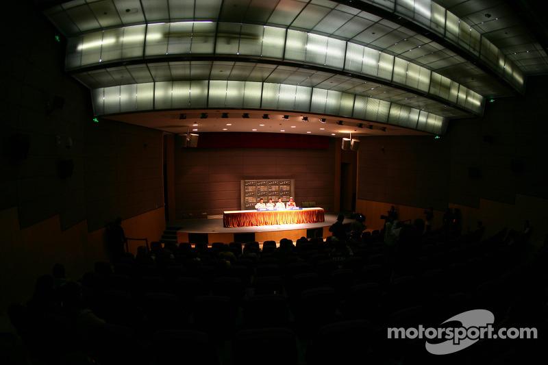 Persconferentie: Gary Paffett, Team HWA AMG Mercedes C-Klasse, pole Paul di Resta, Team HWA AMG Mercedes C-Klasse, Jamie Green, Persson Motorsport, AMG Mercedes C-Klasse en Timo Scheider, Audi Sport Team Abt Audi A4 DTM
