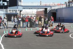 Kevin Conway (rookie de l'année NASCAR Raybestos) revient pour l'emporter sur les comédiens Carrot Top et Kevin Burke et sur Aaron Rowand