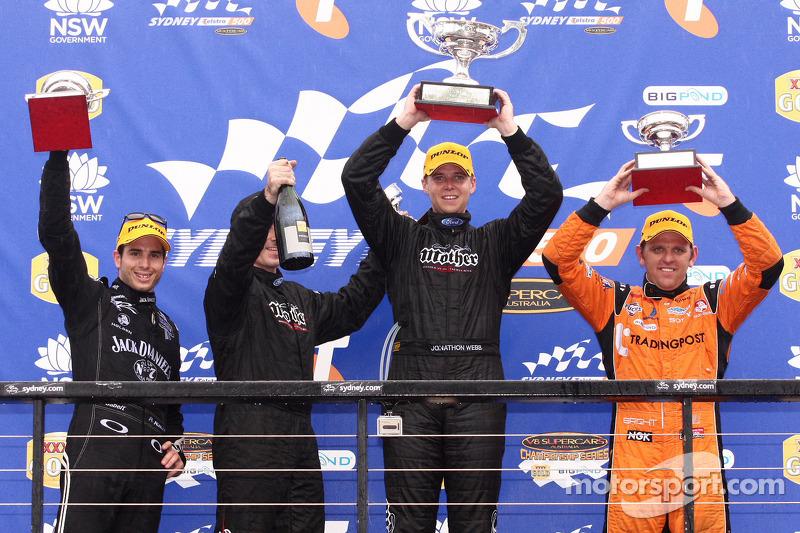 Podium: Rick Kelly derde plaats voor Jack Daniel's Racing, Jonathon Webb 1ste Dick Johnson Racing, Jason Bright 2de Trading Post Racing