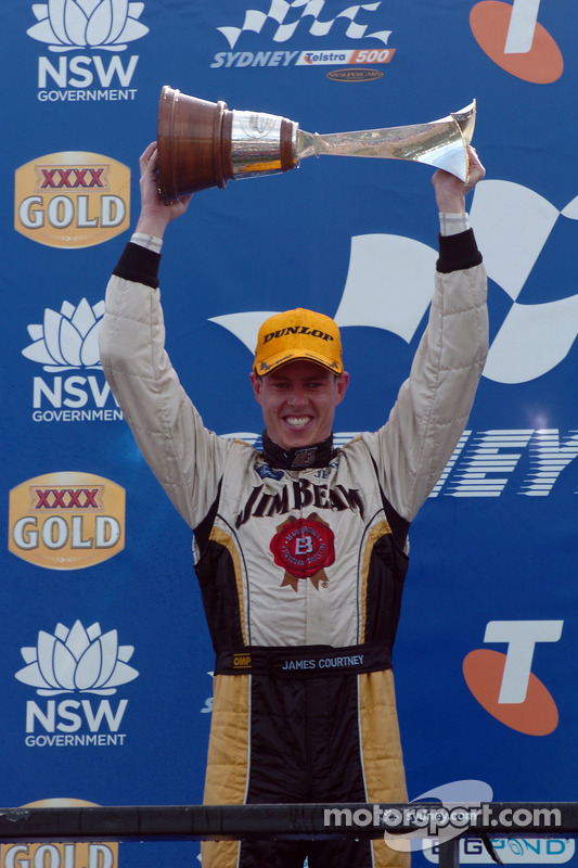 Podium: James Courtney