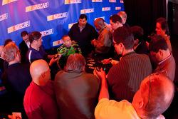 Mark Martin, Hendrick Motorsports Chevrolet, media attention
