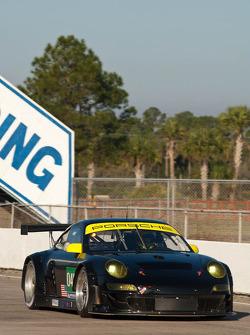#045 Flying Lizard Motorsports Porsche 997 GT3 RSR: Patrick Long, Jörg Bergmeister