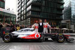 Lewis Hamilton, McLaren Mercedes, Martin Whitmarsh, McLaren, Chief Executive Officer, Jenson Button, McLaren Mercedes