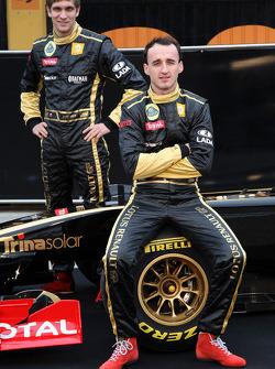Виталий Петров и Роберт Кубица Lotus Renault GP