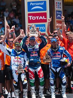Podio: ganador Marc Coma, segundo Cyril Despres, tercero Helder Rodrigues