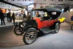 Chevrolet Stand