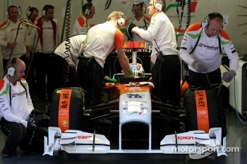 Paul di Resta back in the car on Friday morning