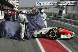 Hispania Racing F1 Team F111 wird enthüllt