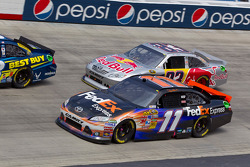 Denny Hamlin, Joe Gibbs Racing Toyota and Brian Vickers, Red Bull Racing Team Toyota