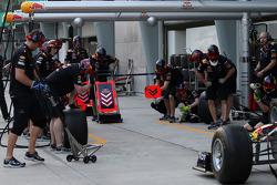 Redbull Racing pitstop practice