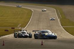 #78 KCMG Porsche 911 RSR: Christian Ried, Wolf Henzler, Joël Camathias, #2 Porsche Team Porsche 919 Hybrid: Romain Dumas, Neel Jani, Marc Lieb