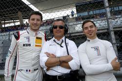 #17 KÜS TEAM 75 Bernhard, Porsche 911 GT3 R: David Jahn, Kévin Estre mit Klaus Graf