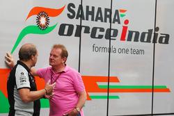 Robert Fernley, Deputy Team Principal Sahara Force India F1 Team con Jonathan Palmer