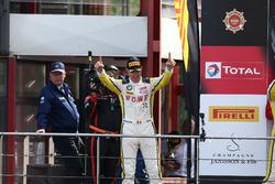 Podium: Sieger #99 Rowe Racing, BMW M6 GT3: Maxime Martin