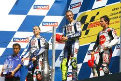 Podium: Sieger Valentino Rossi, Yamaha; 2. Jorge Lorenzo, Yamaha; 3. Toni Elias, Pramac Ducati